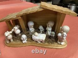 13 piece nativity set Precious Moments, 1982. The Symbol Of Love And PeaceDove
