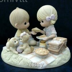 BRAND NEW Precious Moments Limited Edition 3000 Life's A Picnic With My Honey