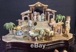 Hawthorne Village Holy Family & Nativity Porcelain Figurine Set Precious Moment