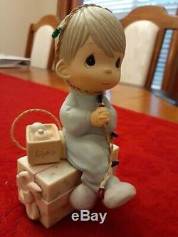 Lot of Precious Moments Figurines