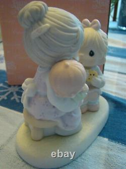Precious Moments 111752 Everybody's Grandmother 2002 Chapel Exclusive RARE