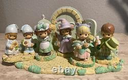 Precious Moments 2003 Wizard of Oz 10 Figurines Emerald City/Over The Rainbow