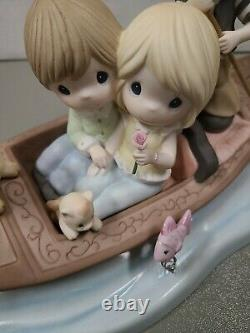 Precious Moments AMORE! 123026 Limited Edition Couple on Venetian Gondola LOVE