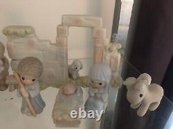 Precious Moments Come Let Us Adore Him Mini Nativity Set 1982 E2395 11 PCS +WALL