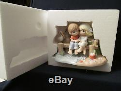Precious Moments Couple on Dock Our Love Is A Shore Thing #132015LE 3000-NIB