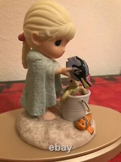 Precious Moments Disney Finding Nemo Crush, Dory, Marlin, peachFriendshipRare