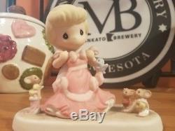 Precious Moments Disney Princess Cinderella Figurine Retired 830009
