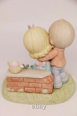 Precious Moments EMBRACED IN YOUR LOVE 630041 Couple Love / Limited Edition