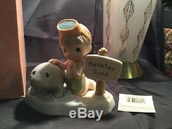 Precious Moments Figurine Our Love Will Never Be Endangered 2000 Manatee enesco