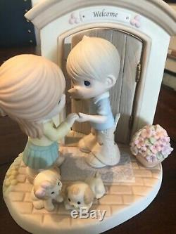 Precious Moments-Hands Build A House, Hearts Build A Home- Very Rare LE 5000