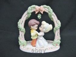 Precious Moments LE 2007 Knowing You're In Love Disney Figurine LE 810040 Mint