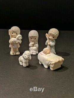 Precious Moments Nativity 11 Pc set excellent condition