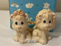 Precious Moments-Noah's Ark-2X2 LIONS VERY RARE! Retired 2005 Star & Signed