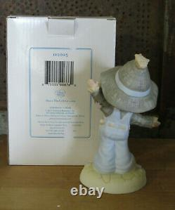 Precious Moments Scarecrow #112025 Follow the Path of Knowledge Wizard of Oz