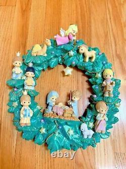RARE Precious Moments Nativity Wreath Lighted 2005 Enesco Precious Moments