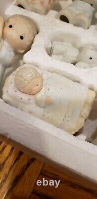 Set E-2395 Precious Moments COME LET US ADORE HIM Nativity Porcelain Set withbox