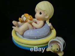 T Precious Moments-Disney-Nemo-Friends Have A Way Of Keeping Cool-Swimming Pool